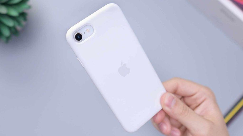 iPhone SE vs. iPhone 8