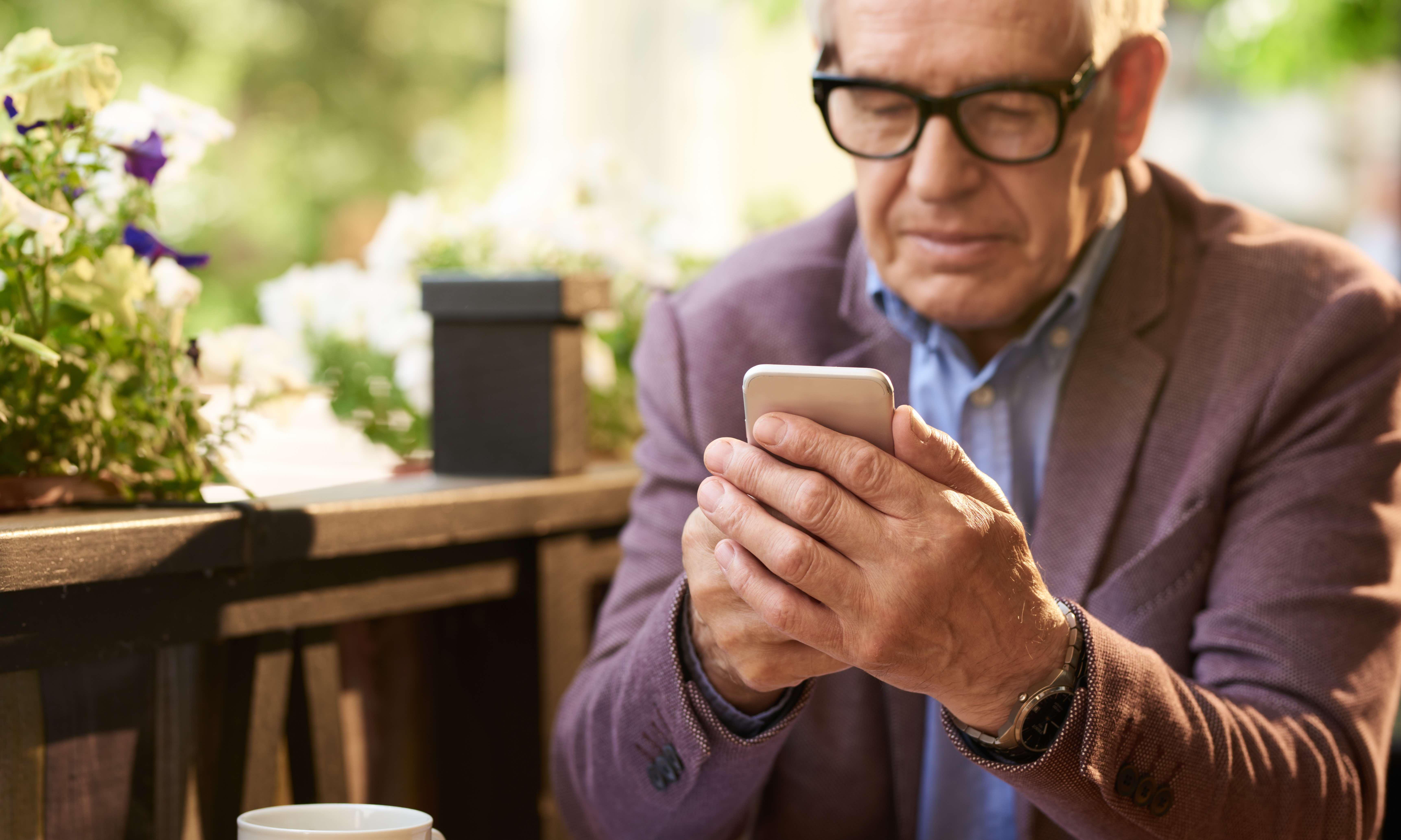 Hyvä älypuhelin Senioreille